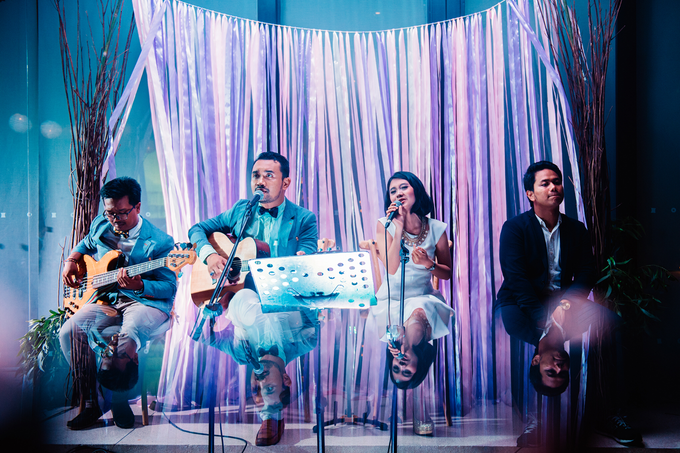 Wedding reception at alila villa by Maknaportraiture - 002