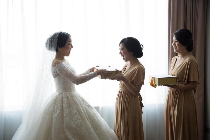 JASON & STEFANI • Glam Champagne by MALVA Bridesmaids - 003