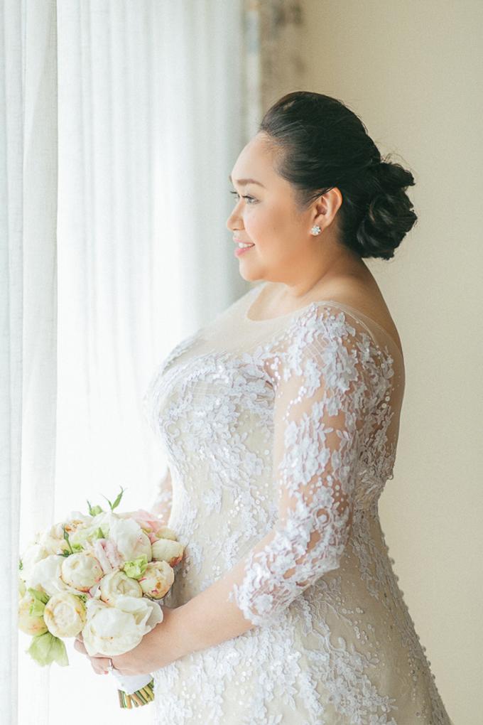 Premium wedding dress (april - mei) by TS BRIDAL BALI - 010