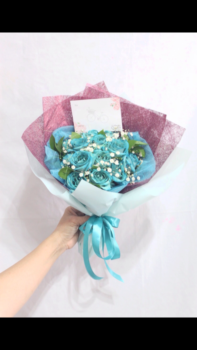 Hand bouquet by La Fleuriste Clara - 003