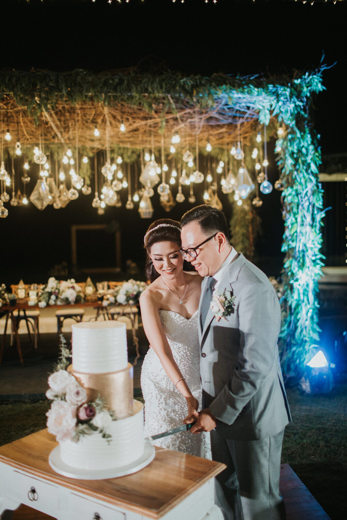 Hendri & Sella Wedding by It's True Wedding Planner and Decoration - 030