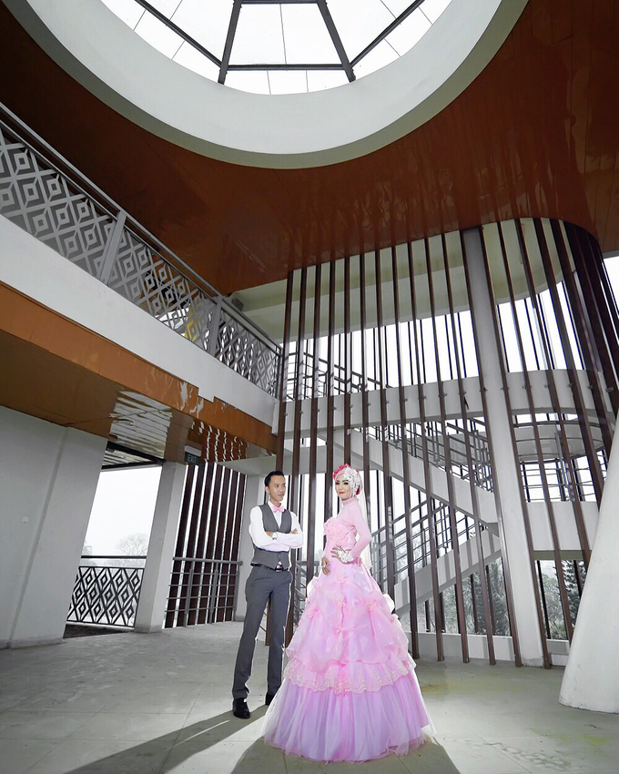 Story of prewedding : Rio & Cely by glamour photography - 002