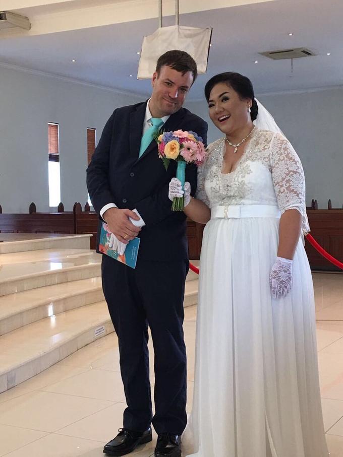 SIMPLE WEDDING DRESS TAIL BISA DI LEPAS by TS BRIDAL BALI - 005