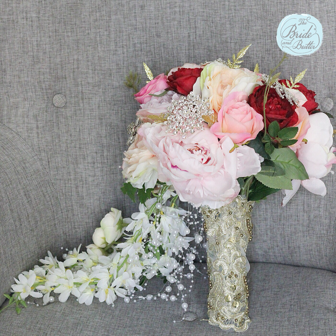 Custom Hand Bouquet by The Bride and Butter - 024