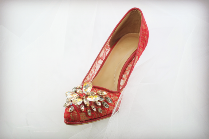 Embellishment on shoes, by CAVA PRIVÉ - 005