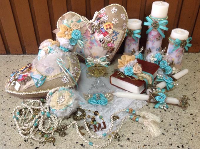 rustic travel themed wedding accessories by Duane's Fleur Creatif - 001