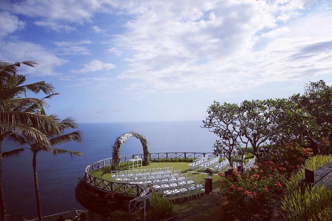 Stunning clifftop wedding by Butter Bali - 004