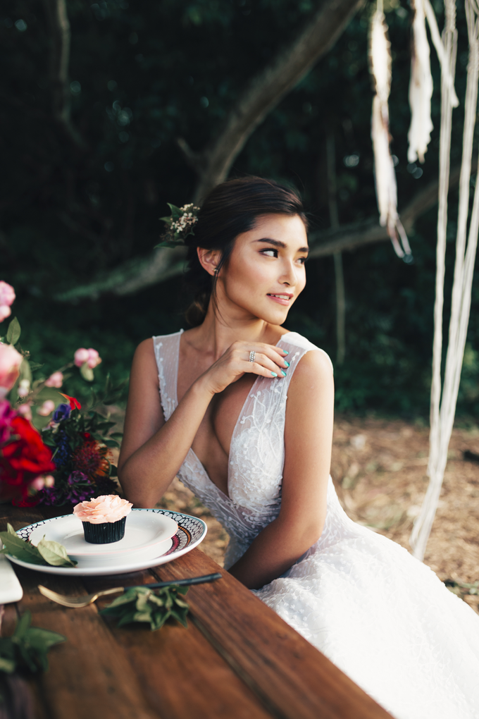 Effortlessly Romantic by Rebecca Caroline - 003