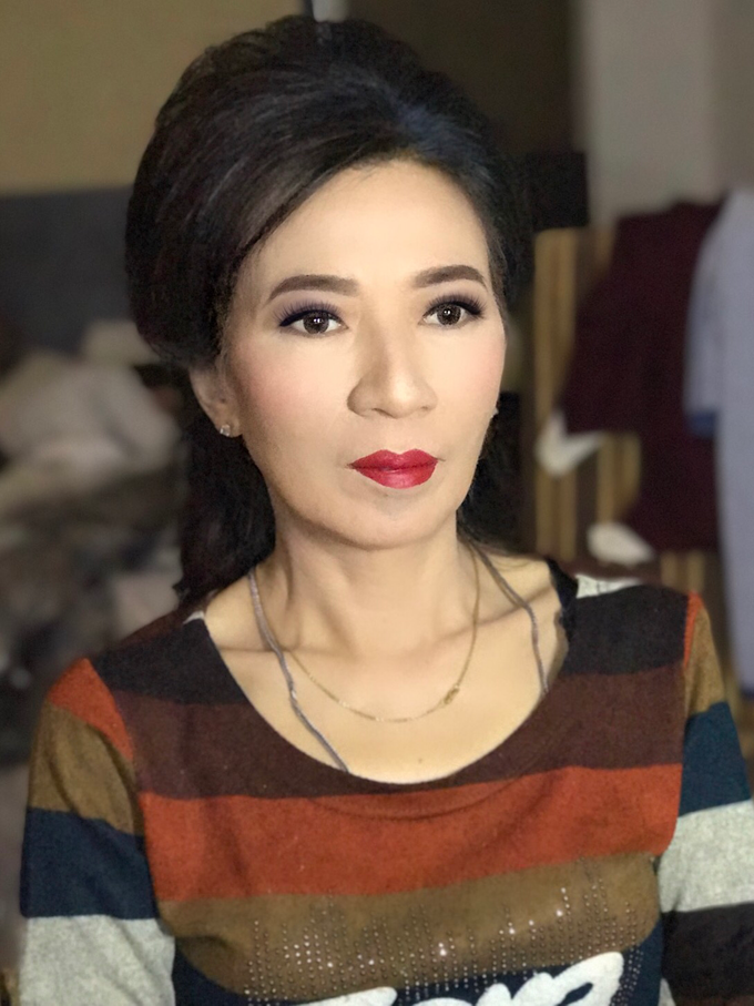 Party makeup by AyuAbriyantimakeupartist - 002