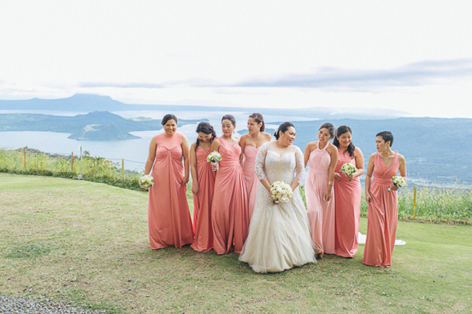 Premium wedding dress (april - mei) by TS BRIDAL BALI - 007