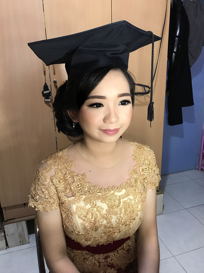 Graduation by AyuAbriyantimakeupartist - 020