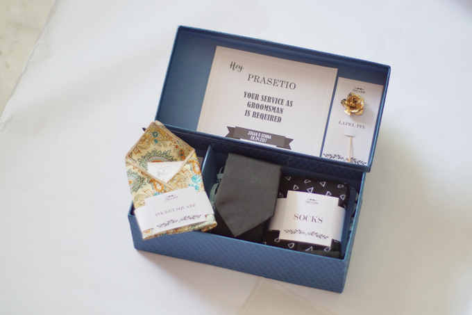 A box of gift / groomsmen's gift by Take A Bow Tie - 002