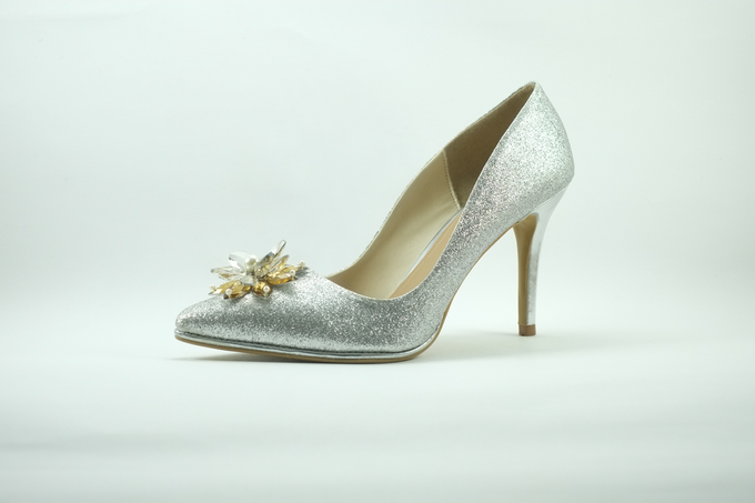Embellishment on shoes, by CAVA PRIVÉ - 004
