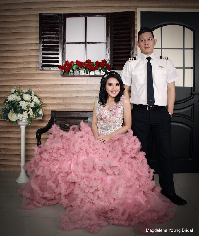 Prewedding indoor by Magdalena Young Bridal - 003
