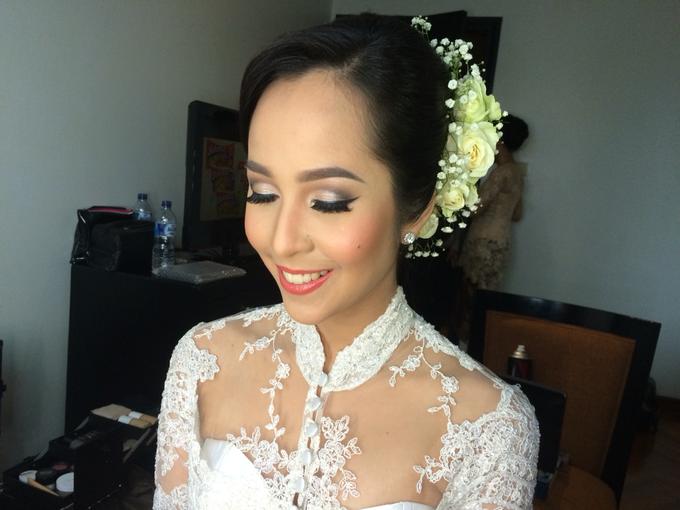 Wedding make up for Tara Rawindra (Javanese Paes& Padang) and Kathya Paramitha (National) by Yoga Septa Make Up Artist - 029