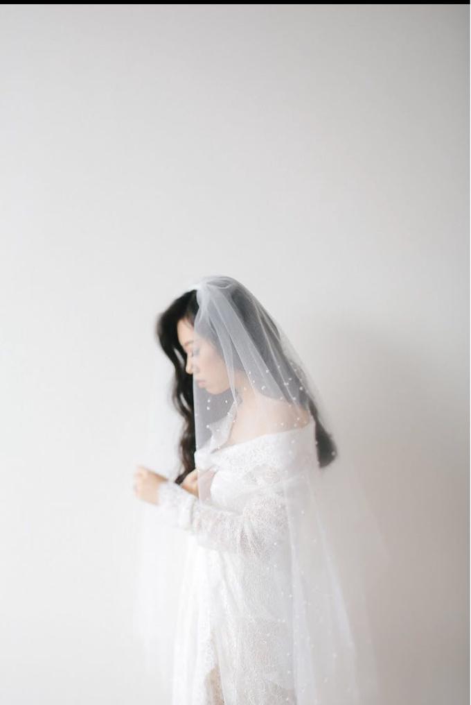 Veil & Pearls : Ileana & Eric Monochromatic by Elsie Chrysila Brides - 001