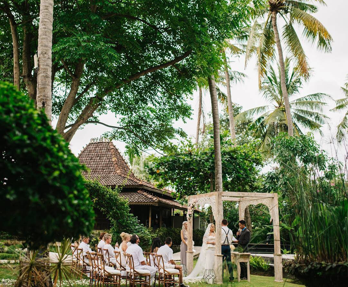 Mae & Luke's intimate wedding in Bali by Butter Bali - 004