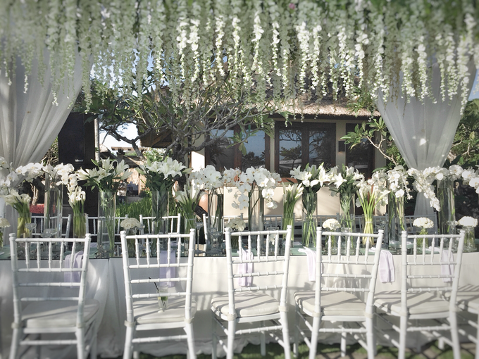 White wedding in starry light by Bali Signature - 005