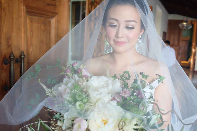 Lavina's wedding by sherlyamakeup - 003