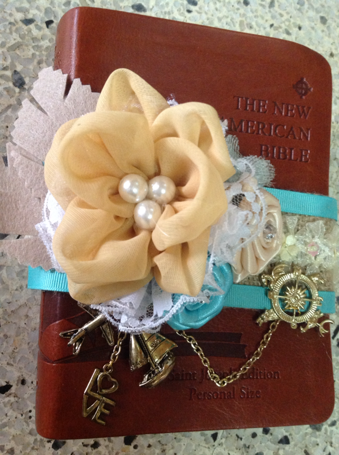 rustic travel themed wedding accessories by Duane's Fleur Creatif - 010