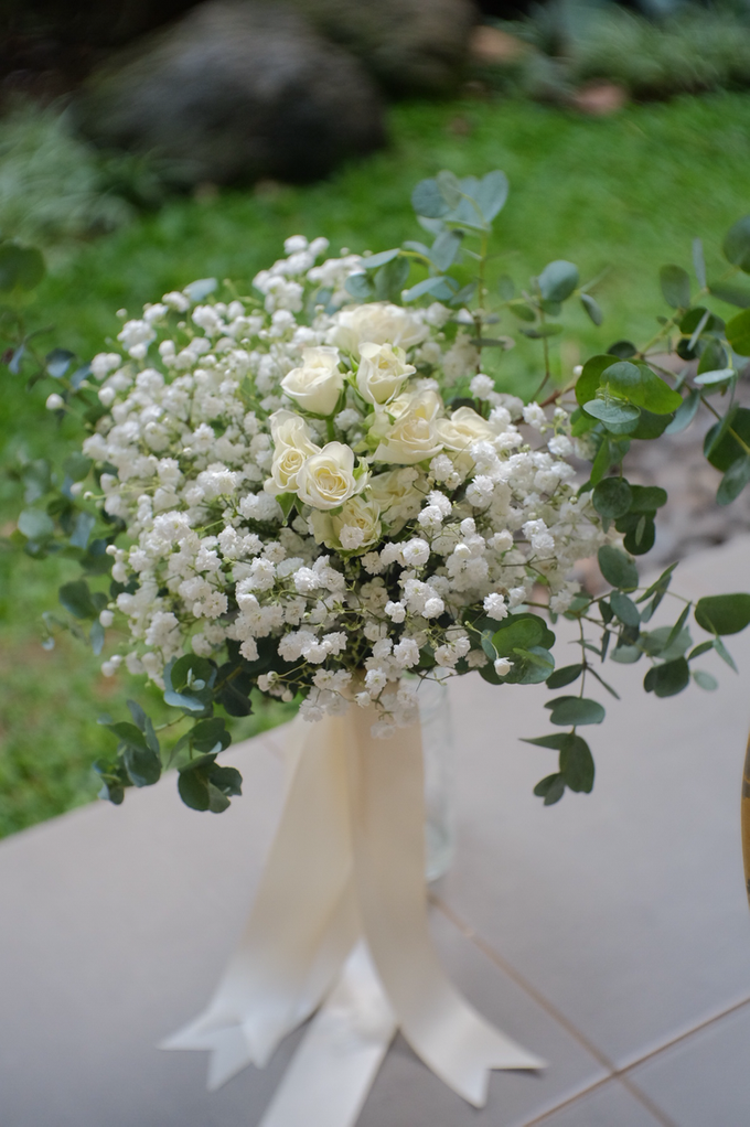 May Bridal Bouquets by La Bloom Florist - 014