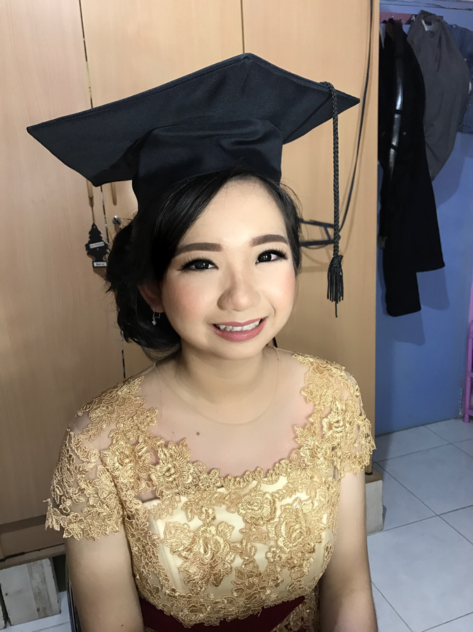Graduation by AyuAbriyantimakeupartist - 021