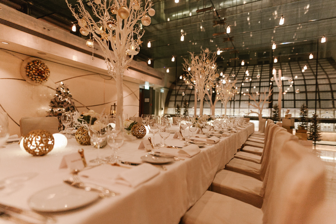 Winter wedding decoration by Peter Simon Photography - 007