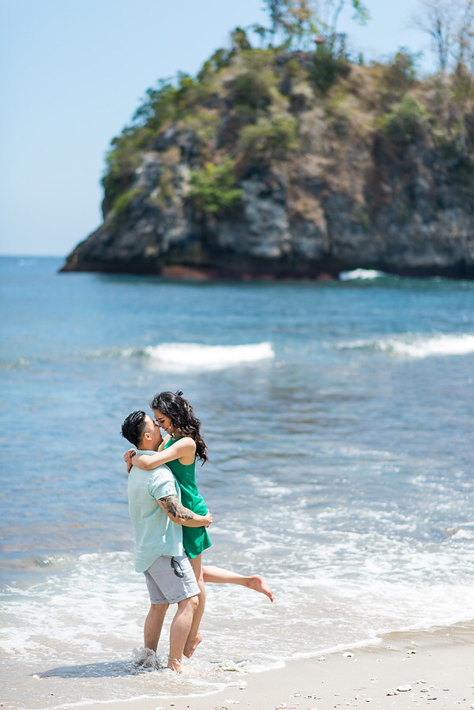 Nusa Penida Prewedding by Gusde Photography - 017
