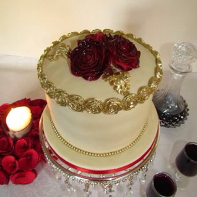 Beautiful cakes by A Taste of Decadence by Louise - 006