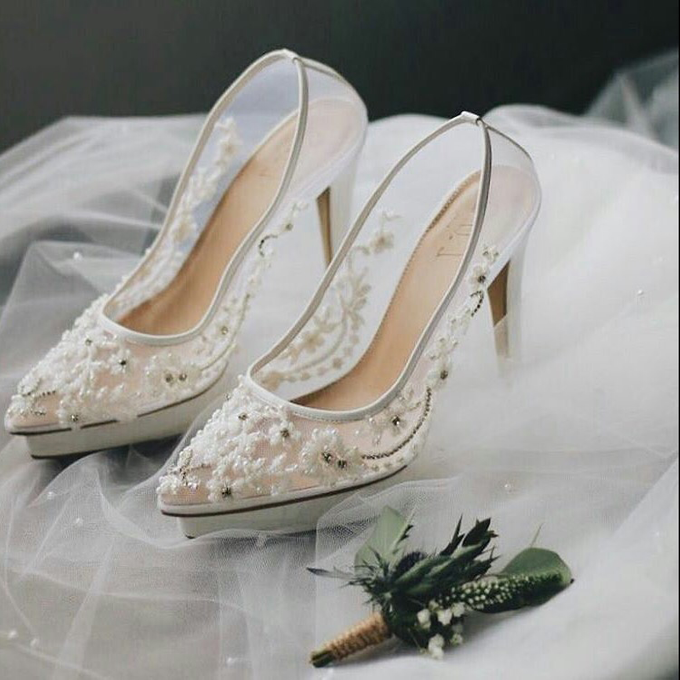 Embellishment on shoes, by CAVA PRIVÉ - 011