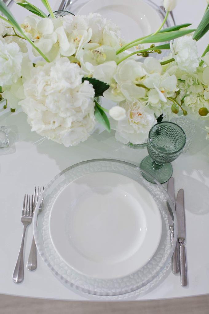 Minimalist wedding in June by Maria German decor - 003