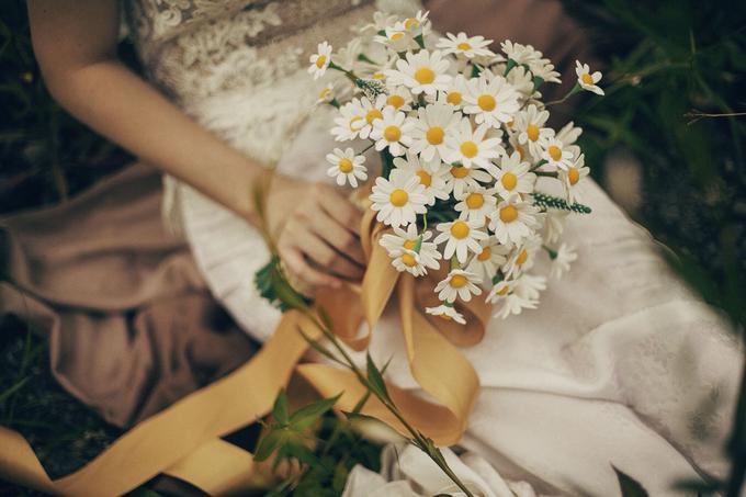 Brides bouquet clay flowers by Bramanta Wijaya Sposa - 002