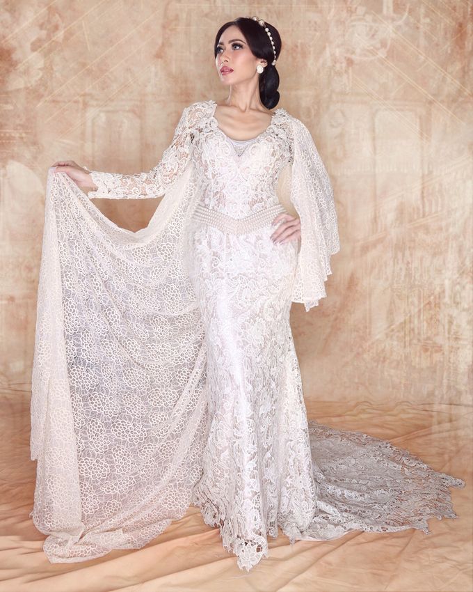 Wedding Gowns by Berkat Kebaya By Devina Shanti - 030