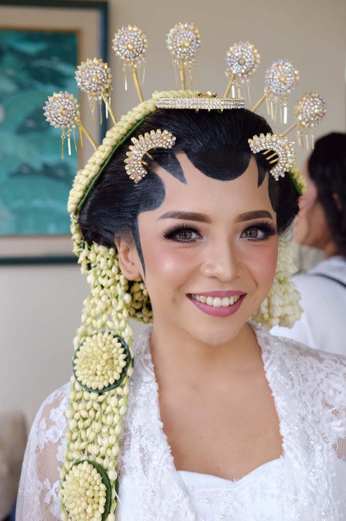 Pascalis Wedding by Nadia Sabrina MUA - 007