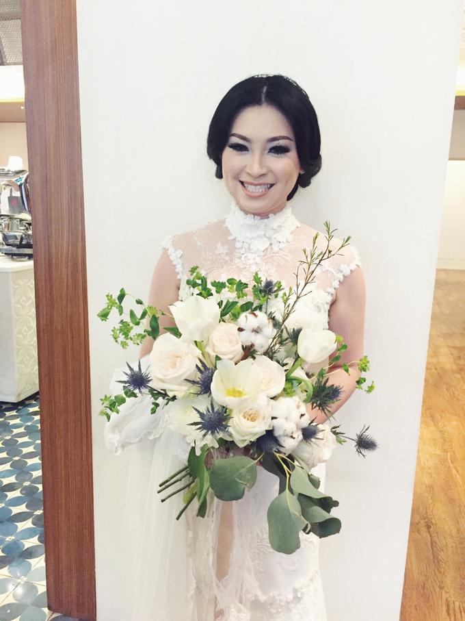 Bridal Series by D'Alexandra Flowers - 010