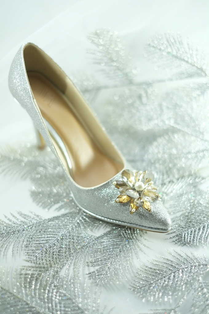 Embellishment on shoes, by CAVA PRIVÉ - 001