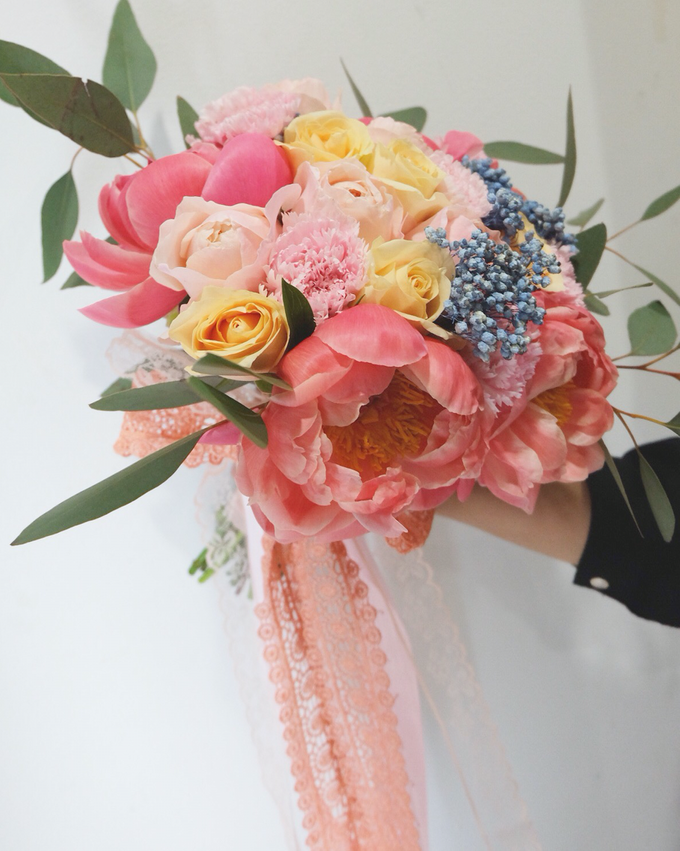 May Bridal Bouquets by La Bloom Florist - 004