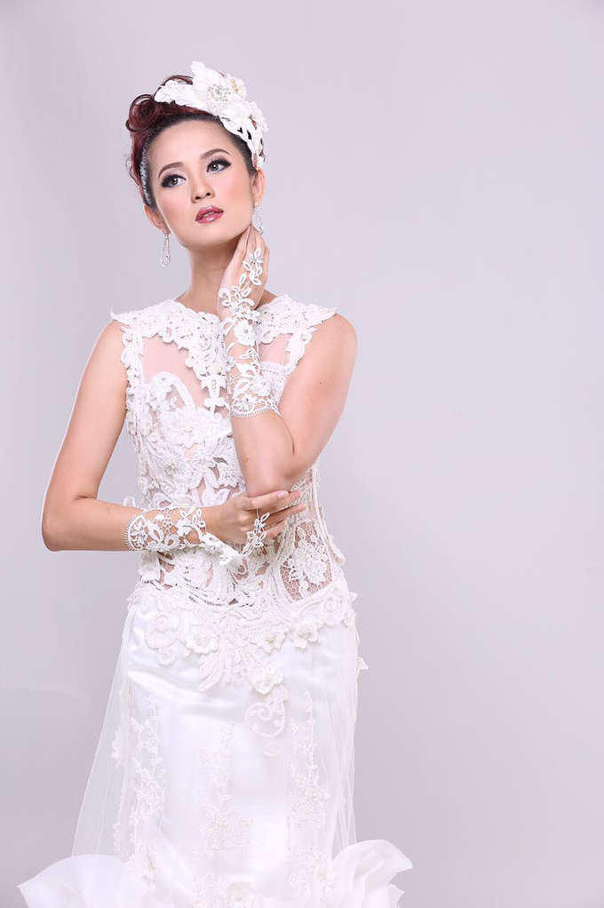 Wedding Gowns by Berkat Kebaya By Devina Shanti - 022