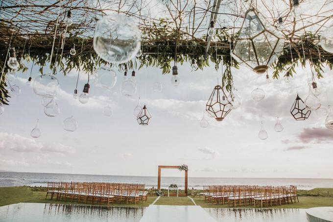 Hendri & Sella Wedding by It's True Wedding Planner and Decoration - 015