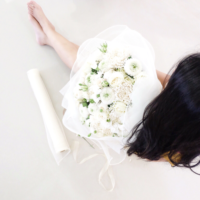 Simply White by Fleur de Lis - 004