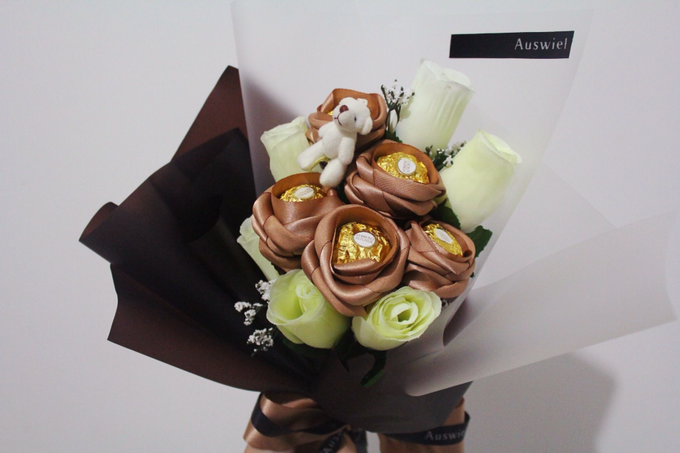 Souvenir & Favor Bouquet by La Belle Vie flower - 013