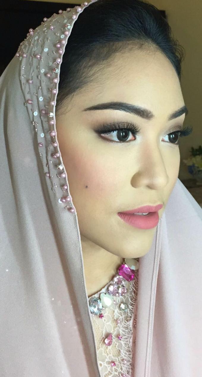 Wedding make up for Tara Rawindra (Javanese Paes& Padang) and Kathya Paramitha (National) by Yoga Septa Make Up Artist - 013