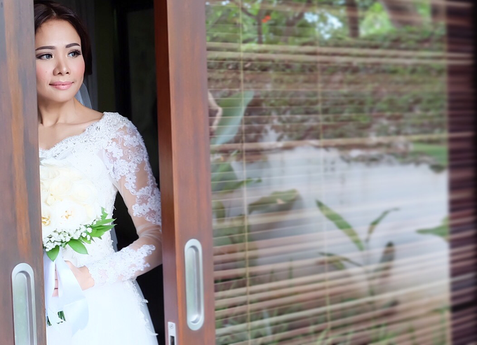 Wedding of Rika and Roberto by sherlyamakeup - 002