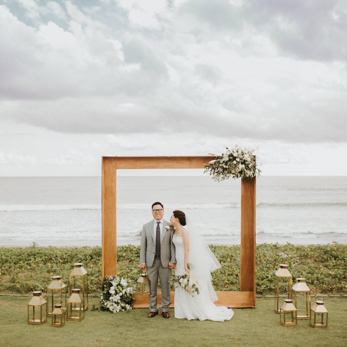 Hendri & Sella Wedding by It's True Wedding Planner and Decoration - 016