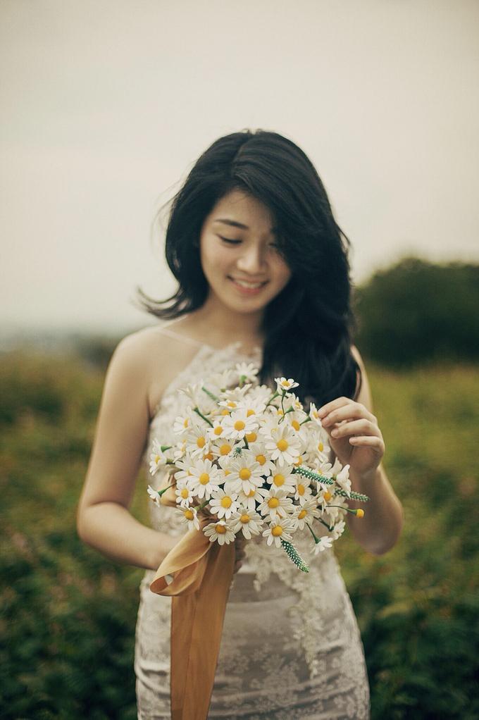 Brides bouquet clay flowers by Bramanta Wijaya Sposa - 005