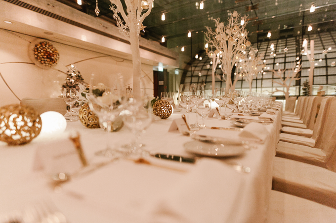 Winter wedding decoration by Peter Simon Photography - 004
