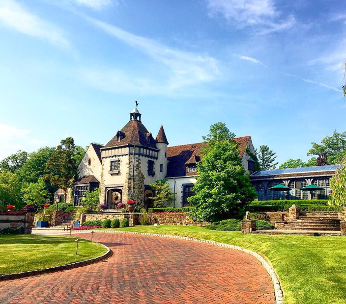 Pleasantdale Chateau Glimpse by Pleasantdale Chateau - 008