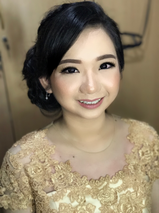 Graduation by AyuAbriyantimakeupartist - 023
