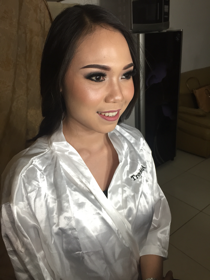 Pre-wedding makeup by Troy Makeup Artist - 009