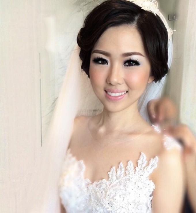 Makeup Bride/Photoshoot, party, engagement by Dewi Yen Makeup Artist - 002